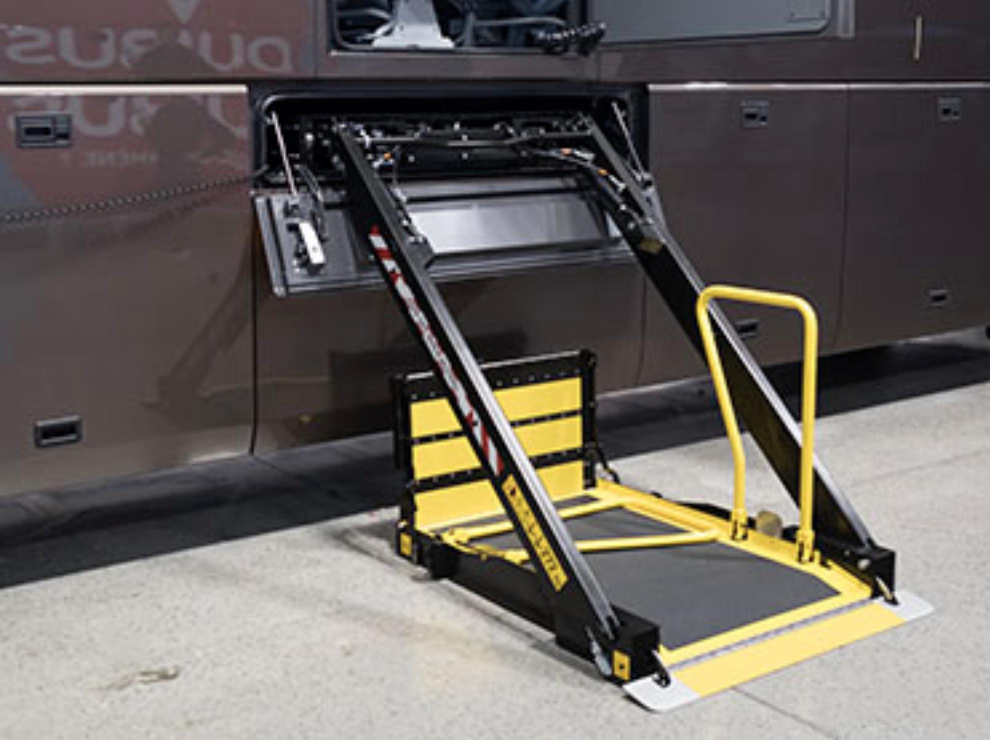 Masats KS8 Lift for Coaches