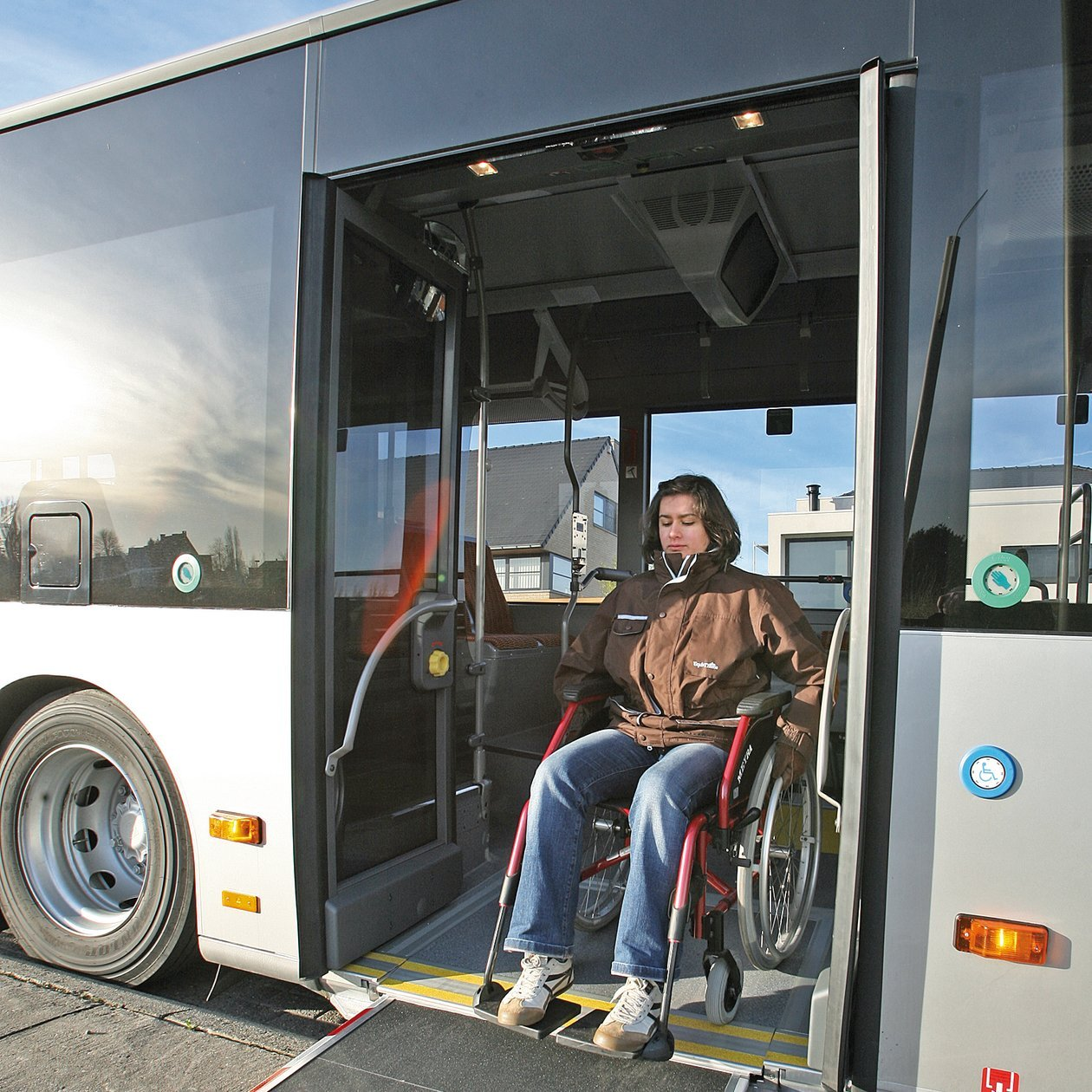 PALFINGER Passenger Lifts Integrated Ramp