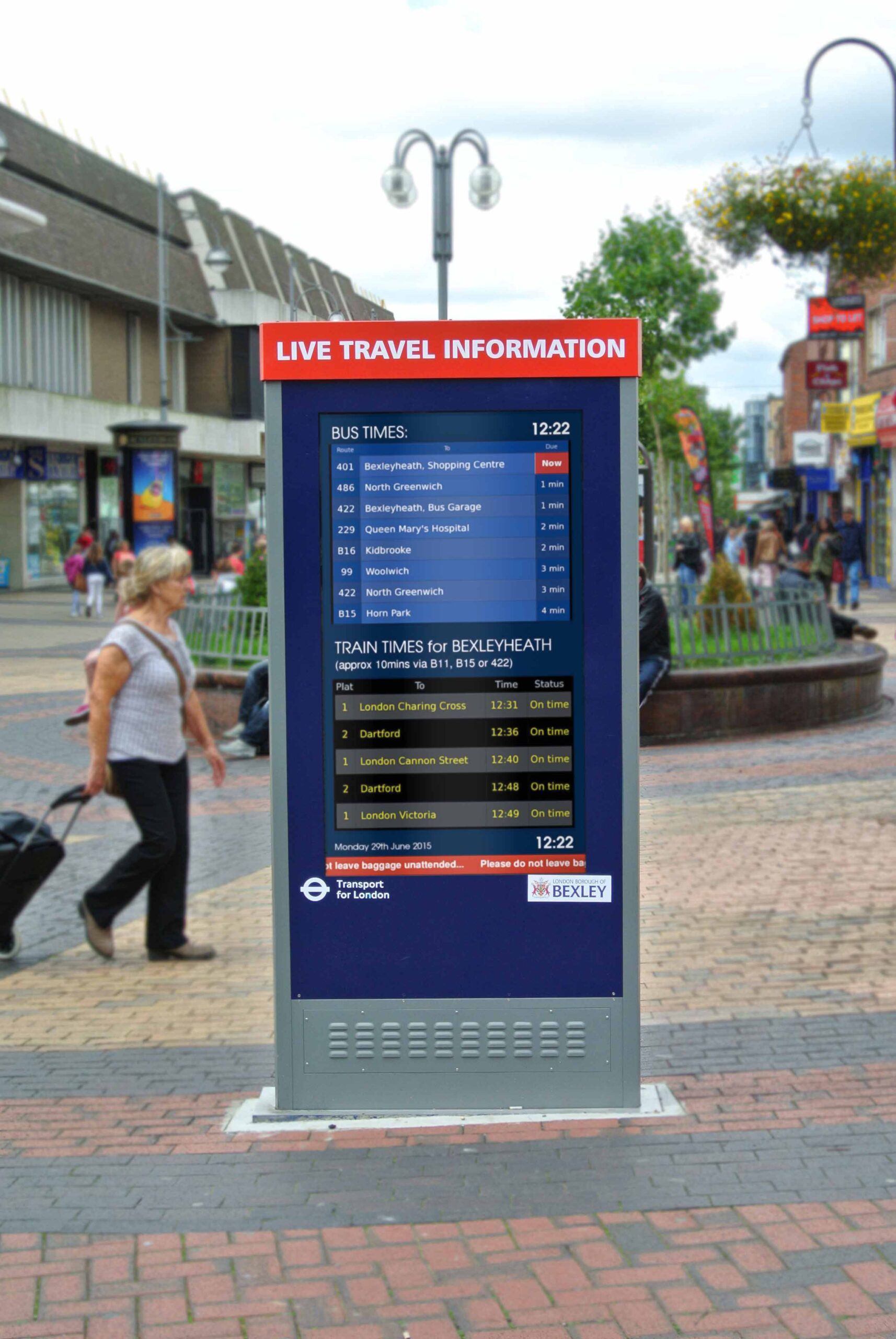 Outdoor advertising totem with real-time travel information