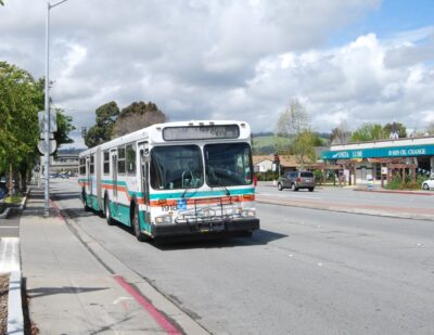 AC Transit Offering Real-Time Onboard Crowding Information