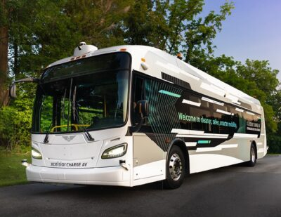 New Flyer Unveils North America's First Automated Transit Bus