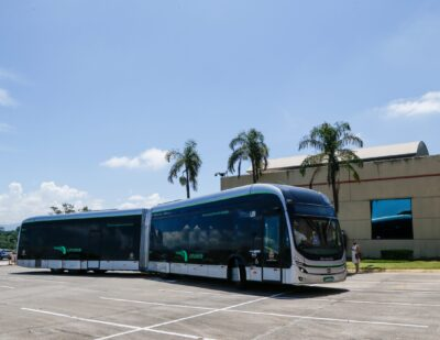 BYD Presents the First Pure Electric Articulated Bus Made in Brazil