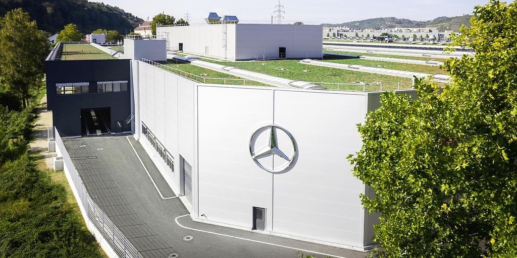Mercedes-Benz Lithium-Ion Cells