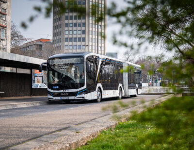 Fully-Electric Articulated Bus from MAN Goes into Operation in Cologne