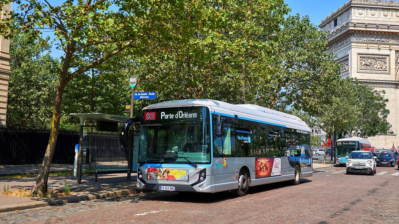 iveco electric bus paris