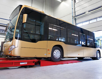 Stertil-Koni Platform SKYLIFT with drive-on ramps for low-clearance buses