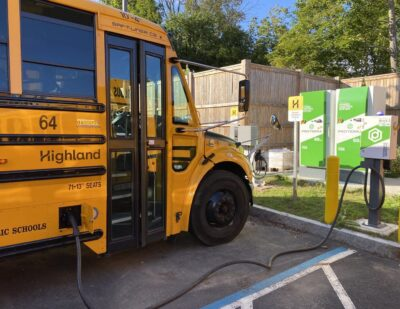 Massachusetts Electric School Bus Helps to Power Electricity Grid