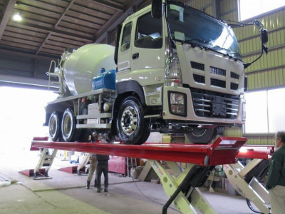 Platform Vehicle Lift for Public Transport Operator in Singapore